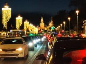 По вечерней Москве на минивэне
